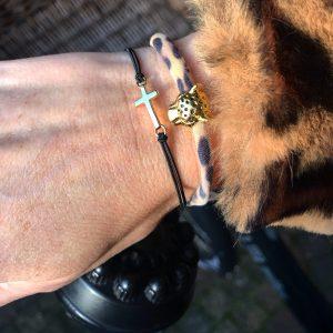 armbanden smal elastiek kruis dik elastiek panter