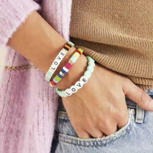 model colourful love armband