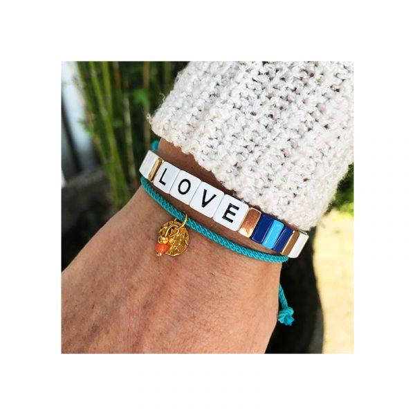 blue bracelets love