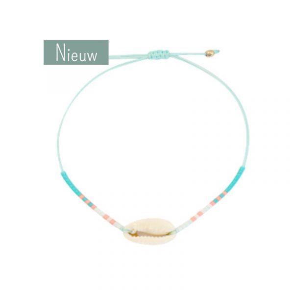 schelp armband wit aqua blauw perzik kraaltjes