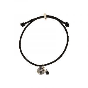 Armband zwart koord met zilver bedel en kralen