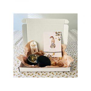 Giftbox zwart chita armband, blikje bloemen, oorbellen
